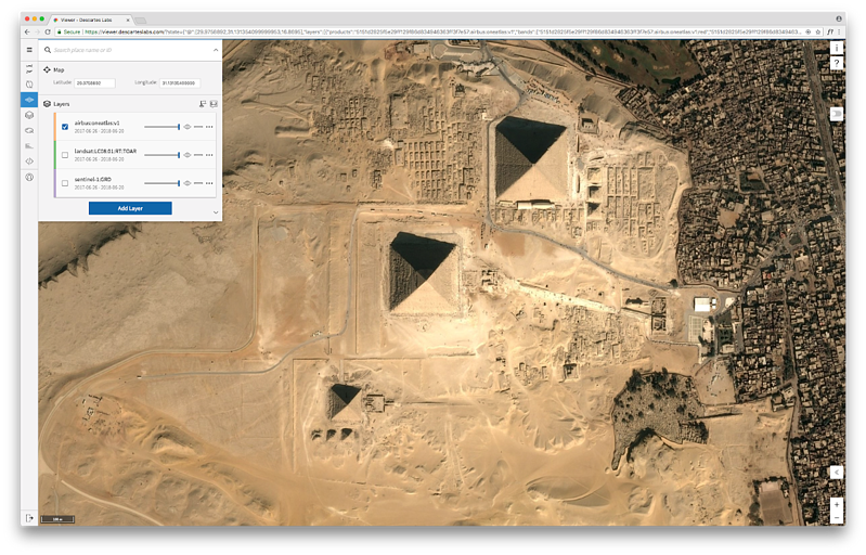 Viewer using Airbus OneAtlas data over the pyramids on the Giza Plateau,Egypt